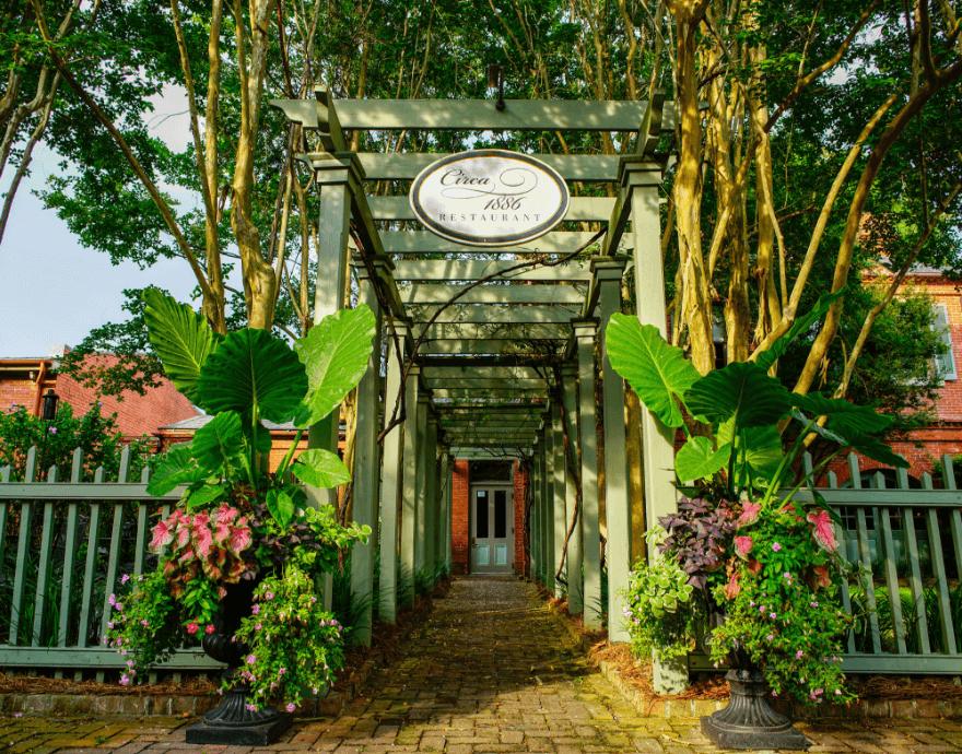Circa 1886 restaurant entrance